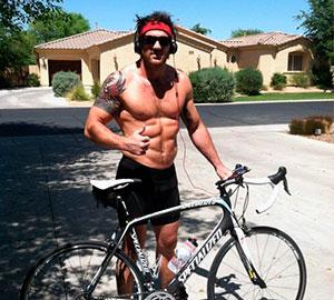 velosipedist-s-pressom