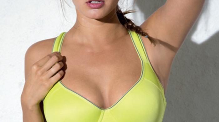 Великолепная упругая грудь