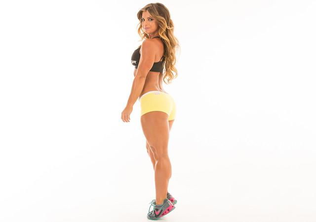 Как накачать ягодицы в тренажерном зале: упражнения и советы для девушек
