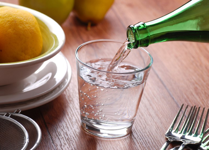 сколько стаканов воды нужно выпивать в день