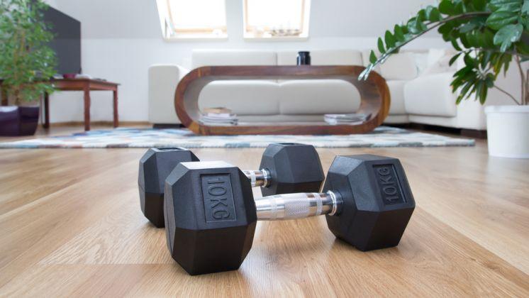 Лучшие упражнения с гантелями дома мужчине